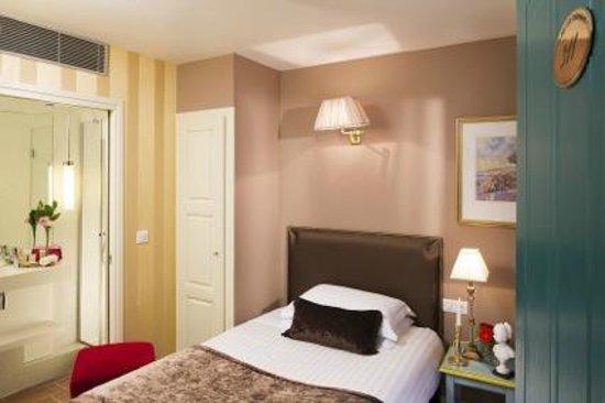 Hôtel des Deux Continents : Chambre Individuelle // Single Room