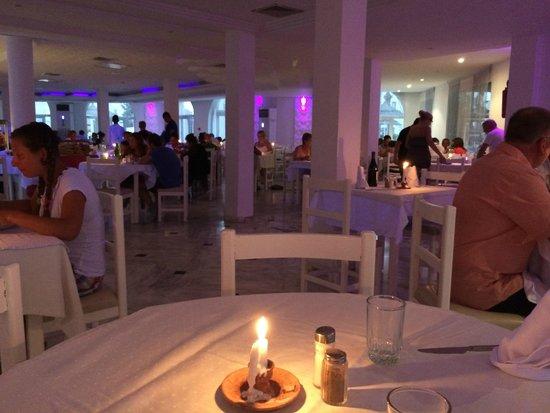 Homere Hotel : Repas gala