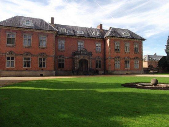 Tredegar House: Imposing