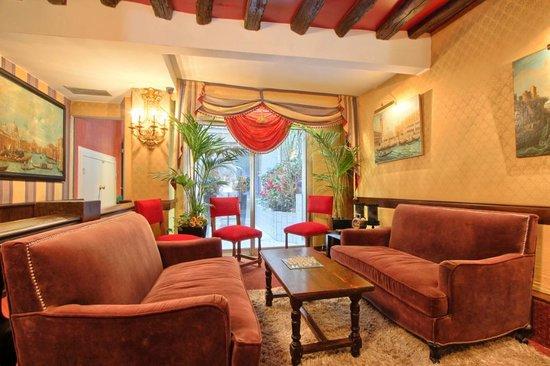 Hôtel des Deux Continents : Salon // Lobby