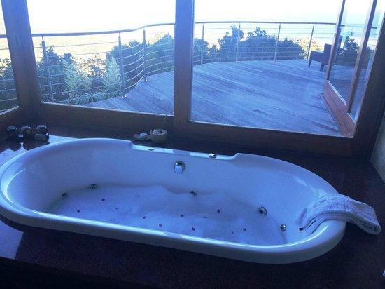 Oceana Beach and Wildlife Reserve: Jet Spa Bath