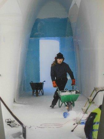 Icehotel: Making a hotel in Jukkasjarvi
