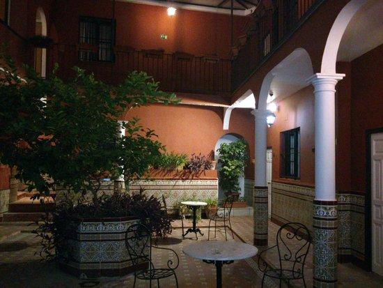 Al Andalus Jerez: Atardecer en el patio abierto