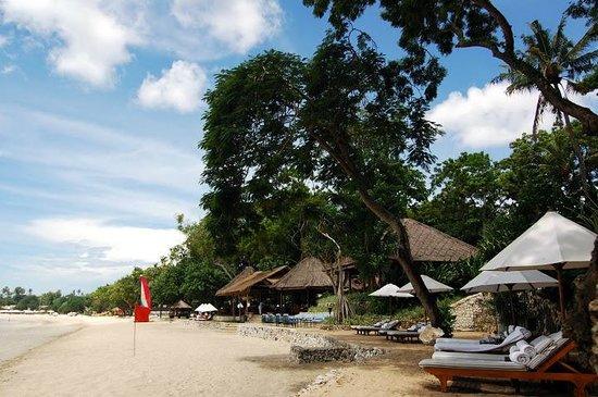 Four Seasons Resort Bali at Jimbaran Bay: Relaxing beach