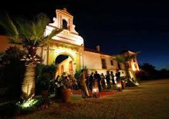 Hacienda Vera Cruz: exterior por la noche