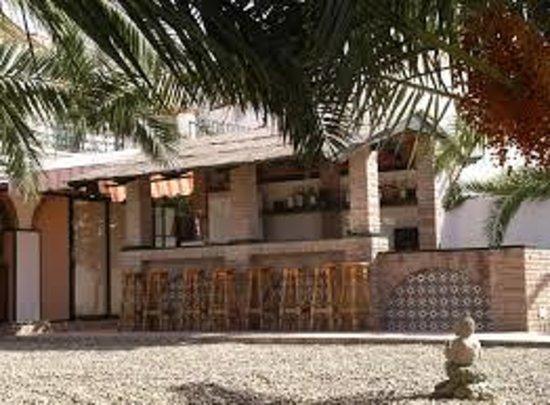 Hacienda Vera Cruz: chiringuito-bar copas salón cristaleras