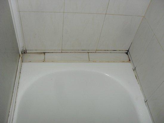 Rodos Star Hotel: Bathroom gunk