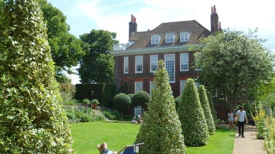 Fenton House: the house from the garden
