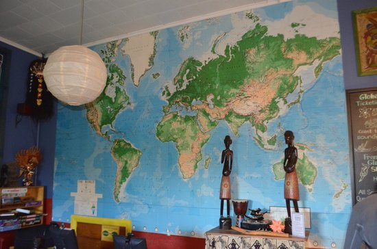 Global Village Backpackers: Lounge