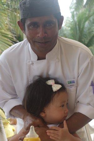 Holiday Inn Resort Kandooma Maldives : Kindly chef