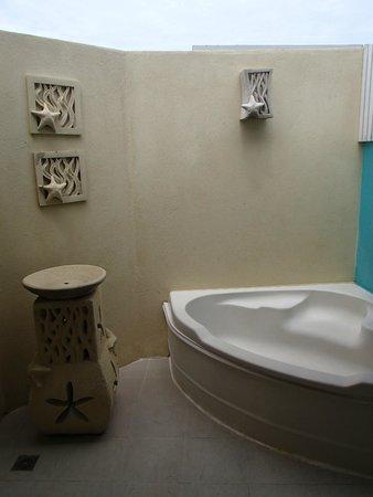 Ellaidhoo Maldives by Cinnamon : Bathroom