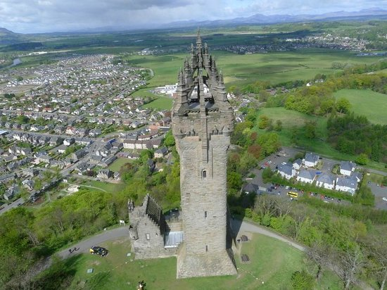 National Wallace Monument: The Monument offers stunning views across the city of Stirling and the countryside beyond