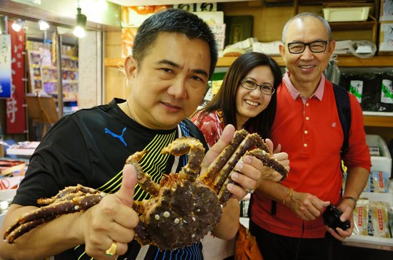 Sankaku Market: Yummy live Spider crab 2kg to share by 4 pax