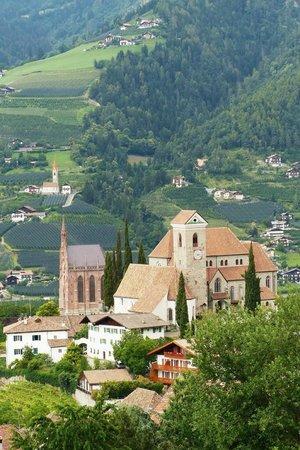 Hotel Hofler Fernblick: Aussicht ins Dorf