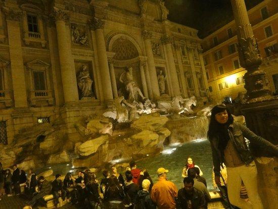 Trevi-Brunnen (Fontana di Trevi): Preciosa
