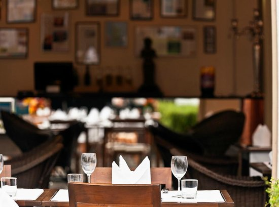 DaVinci Restaurant Nai Harn: al fresco area