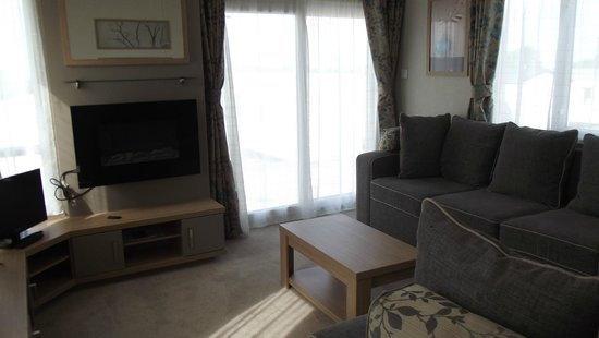Reighton Sands Holiday Park - Haven: sitting room