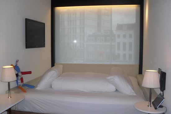 citizenM Rotterdam: Bed