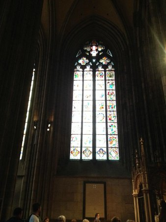 Kölner Dom: Windows inside