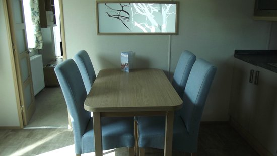 Reighton Sands Holiday Park - Haven: kitchen/diner