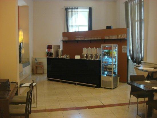 Eurostars David: Breakfast Area