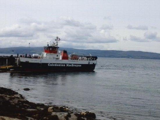 Lochranza Youth Hostel: Lochranza -Cloanaig ferry