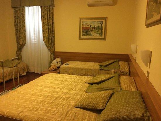 Hotel Colomba: Camera n.11 per 4 persone