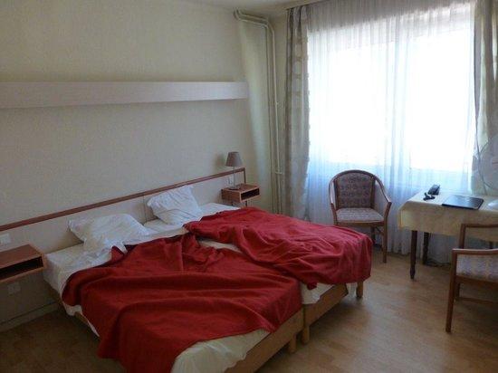 Majestic Hotel : Zimmer Vorderhaus Strassenseite