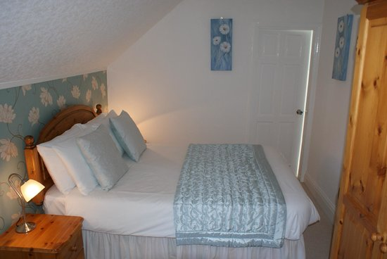 Cleave Court Bed & Breakfast: Room 3