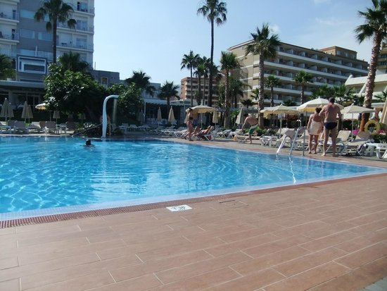 Hotel Riu Nautilus: Pool view
