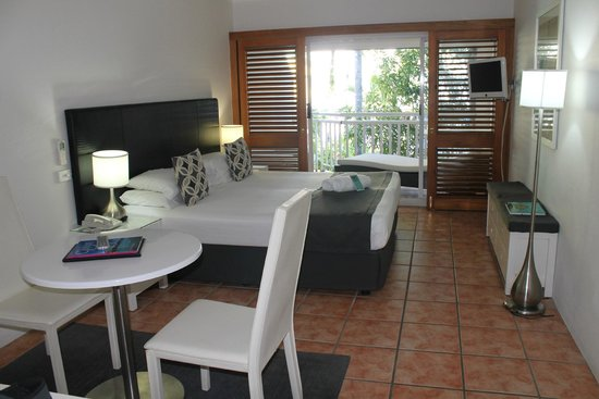 Paradise On The Beach Resort Palm Cove: Poolview room
