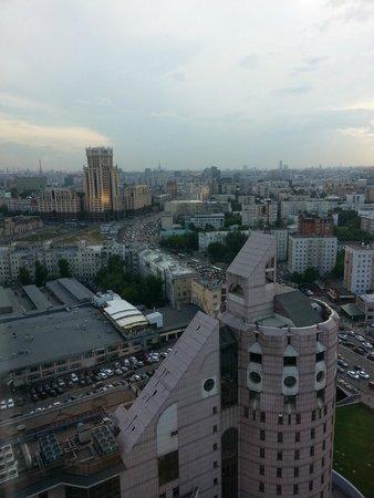 Swissotel Krasnye Holmy Moscow: вид из номера