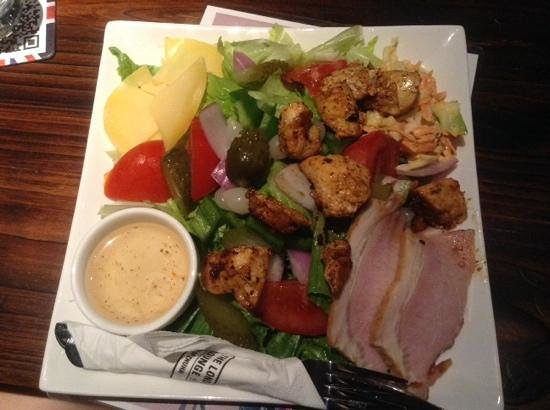 The London Lounge Bar & Restaurant : chefs salad