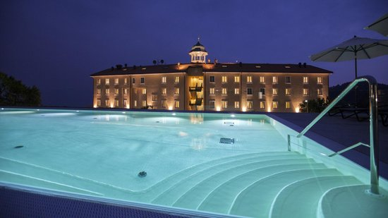 Kurhaus Cademario Hotel & Spa : Outdoor Sport Pool