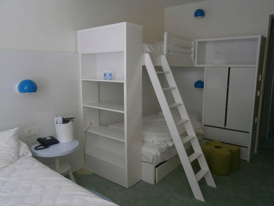 Solaris Kids Hotel Andrija: Newly fitted bedroom.