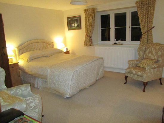 King's Farm: king size double bedroom