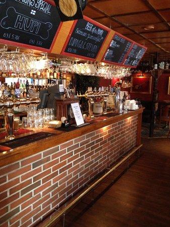 Old Brick's Inn : Brick bar !