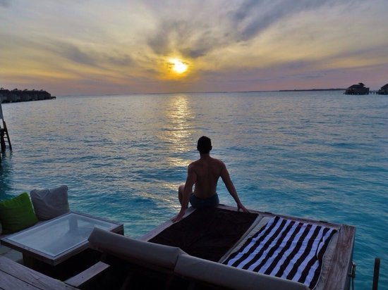 Six Senses Laamu : Got up every morning to experience this amazing sunrise.