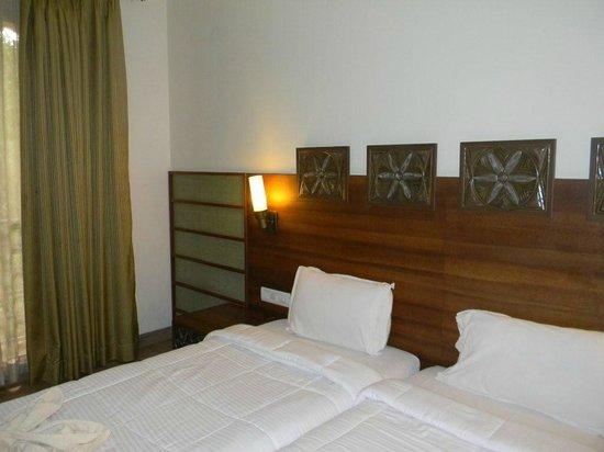 Zara's Resort: Deluxe Room no 206