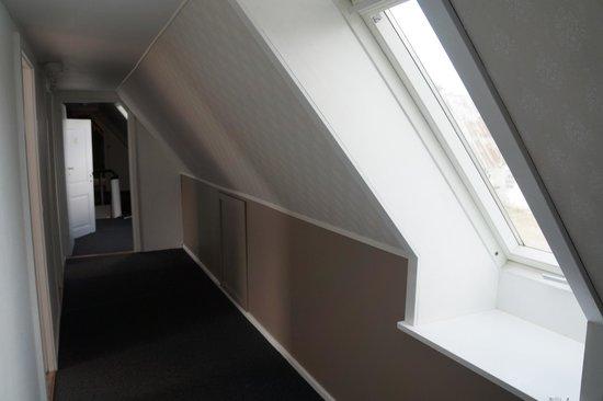 HovedskovGaard: The hall