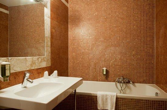 Hotel KUNSThof: Doppelzimmer Bad