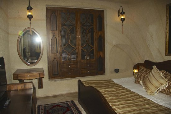 Kayakapi Premium Caves - Cappadocia: Closet in bedroom