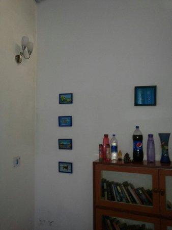 Writer's Hill: D blue room