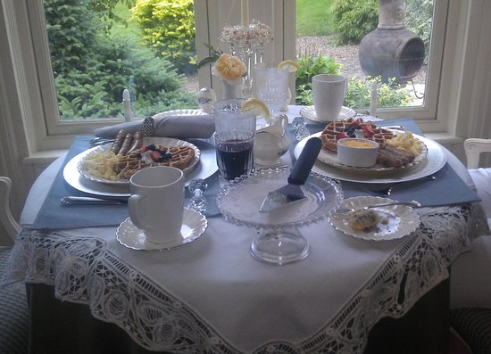 Northview Inn Bed and Breakfast: Wonderful setting and breakfasts everyday.