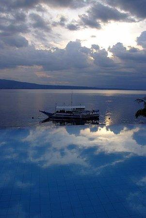Eden Resort: Бассейн отеля