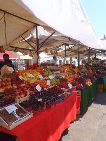 Ai Mori d'Oriente Hotel: Fresh Fruits all the time