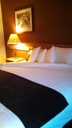 Sky City Casino Hotel and RV Park: Beautiful room!