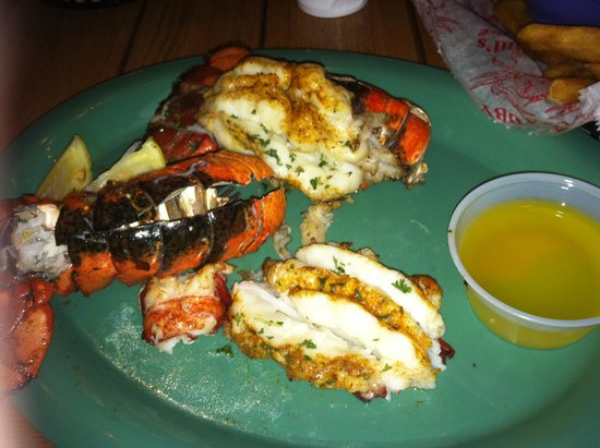Crabby's Beachwalk Bar & Grill : The twin tails mmmm