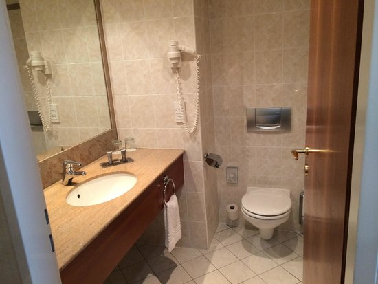 Prague Marriott Hotel: Powder Room