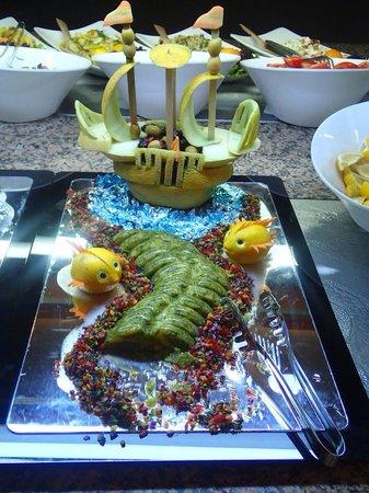Julian Club Hotel: Awesome food art